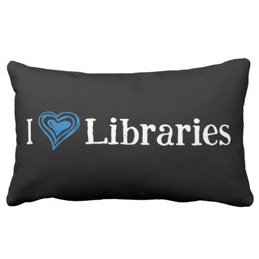I [Heart] Libraries Pillow (blue/white)